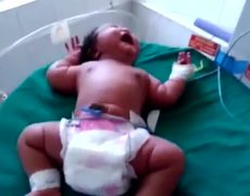 Born the world's largest baby; weighs 6.8 kilos