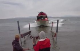 #VIRAL - #HowTo Park A Fishing Boat With No Dock