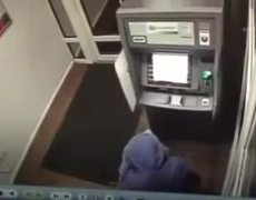 #CCTV - Steal ATM using balloons in Russia