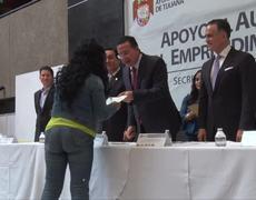 Entrega apoyos Fideicomiso Fondos Tijuana 2016 - Ayuntamiento de Tijuana