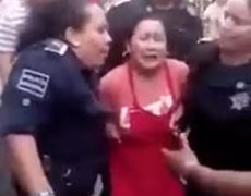 Policias detienen a PELIGROSISIMA vendedora de elotes en Tepic