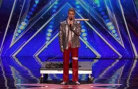 AGT 2016 - John Bernhardt: Statistician Covers The Clash With a Theremin