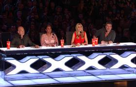 AGT 2016 - The Passing Zone: Juggling Duo Brings Howie Mandel Into Their Wacky Act