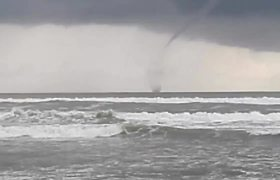 #VIDEO: Espectacular tornado en Acapulco
