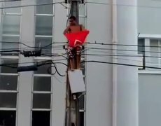#VIDEO - Young man dies electrocuted in Brazil