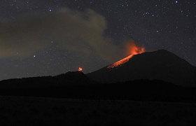 Erupción del Popocatepetl deja cubierta de ceniza la CDMX
