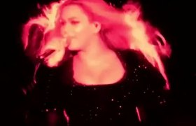 Beyoncé canta 'Irreplaceable' en español en Barcelona