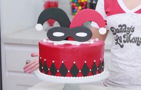 Harley Quinn Checkered Cake