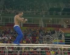 U.S. Gymnast Danell Leyva Makes Sexy Dance At Río 2016