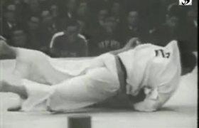 #Top5 - Tragic scenes in Olympic Games: Judo - Geesink (NED) vs Kaminaga (JPN) - Tokyo 1964