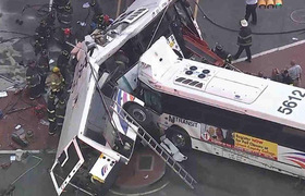 2 dead and at17 injured after bus accident in Newark