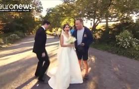 Tom Hanks sorprende a pareja en Central Park