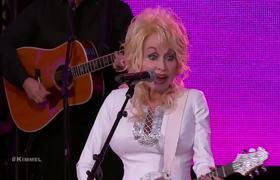 Dolly Parton Performs