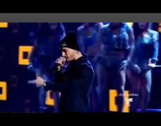 Latin American Music Awards. - Maluma cantando