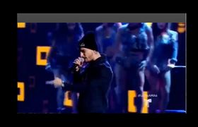 Latin American Music Awards. - Maluma cantando