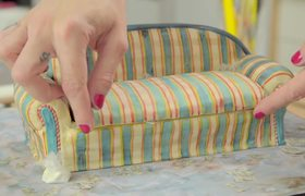 Narcos | Netflix Kitchen: Narcos Couch Cake