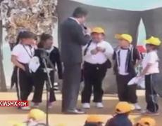 Directora sanciona a niña que humilló a Aurelio Nuño