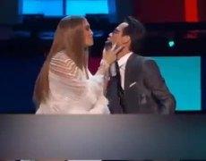 Beso De Marc Antony Y Jenifer Lopez en Latin Grammy 2016