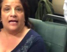 Discurso de odio contra Asiria Americana en el metro