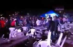 Pelea al Final del concierto de El Komander en Santa Rosa