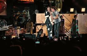Carlos Vives ft. Maluma - Ella Es Mi Fiesta (En Vivo Desde el Estadio El Campín de Bogotá)