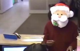 #VIRAL - Santa Claus Robbing Bank