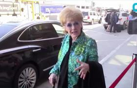 Debbie Reynolds Rushed To ER After Possible Stroke