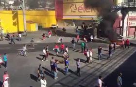 Atropellan a policía y ladrón durante el saqueo en Ecatepec