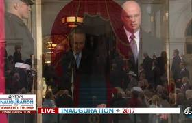 President Obama Greeted With Applause at Inauguration
