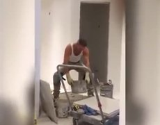 Ariana Grande shared Builder Dance