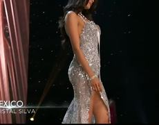 Miss Universe 2016 - Kristal Silva posing in evening gown preliminar competition
