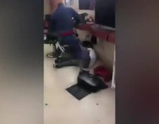 #VIDEO - Former boxer brutally hits man for homophobic comments