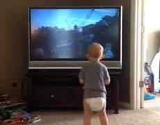 #CUTE - Baby Trains Rocky Balboa Style