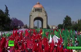 Marcha de mujeres en México con motivo del Día Internacional de la Mujer