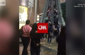 Un caos se vuelve una Escalera Eléctrica en Hong Kong