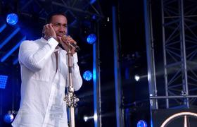 Romeo Santos Performs