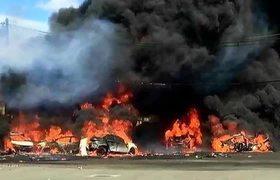 Plane crashes in New Jersey neighborhood