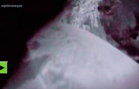 Esquiador se graba cayendo por una grieta