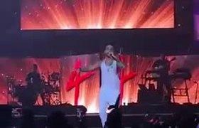 Maluma Ft Marc Antony - Felices los 4 - (Video Live)