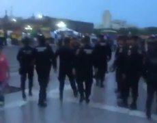 Aficionados TIGRES retan a la policía en la MACRO PLAZA