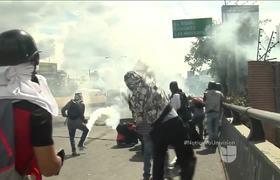 Henrique Capriles tuvo que ser sacado de una protesta en Venezuela por sus guardaespaldas