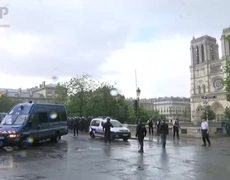 Paris Police Shoot Attacker Near Notre Dame