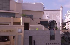 Jimmy Kimmel Live: Neymar Jr. Attempts Terrifying Shot from Jimmy Kimmel's Roof