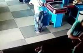 """#VIRAL: """"Cerillo"""" de supermercado brasileño cautiva a las redes"""