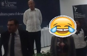 Le gritan asesinó a Felipe Calderón en Cancún