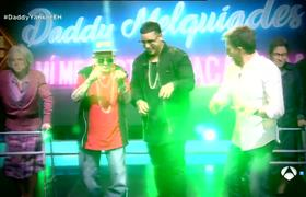 Daddy Yankee and Daddy Melquiades dance together