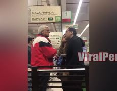 Woman old man insults and then hits it /Part 2