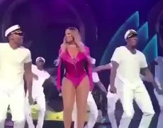 #VIDEO: Mariah Carey 'No F's Given' Performance Dubbed