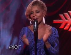 The Ellen Mary J Blige Performs This Christmas