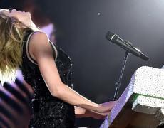 Taylor Swift to testify DJ grabbed her bare bottom